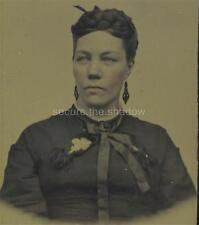 TINTYPE: Handsome YOUNG WOMAN w MOURNING JEWELRY Jet EARRINGS, BROOCH & Ribbons