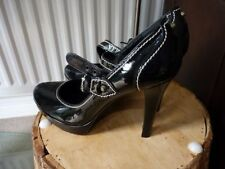 Russell & Bromley Women's Standard (D) 100% Leather Heels