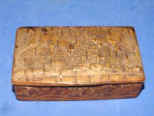 Jolie ancienne boite à décor de cerfs