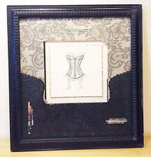 Collection Tableau *Guêpière*par  L'ECLAT DE VERRE 56 cm X 52 cm 3,300kg
