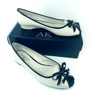 Anne Klein Floria Shoe Size 9.5M Low Heel Peep Toe iflex Ivory Black Pat Bow NIB