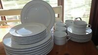 Gibson Dinnerware Set Classic Gold service for 6+ EUC 29 pieces