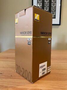 Nikon AF-S NIKKOR 70-200mm f/4G ED VR lens in used but excellent condition