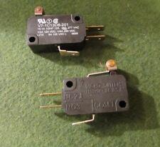 LOT of 2 Honeywell Microswitch V7-1C13D8-201, SPDT Basic Roller Switch