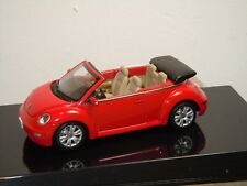 VW Volkswagen New Beetle Convertible - Autoart 1:43 in Box *35730