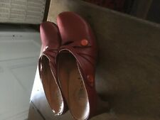 Think Red shoes size 37