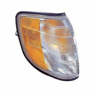 Turn Signal / Parking Light for S320, S420, S500, S600 (Front Passenger Side)