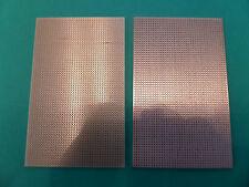 2 PLAQUES CIRCUIT IMPRIME . ESSAI . 1 A PASTILLES + 1 A BANDES  . 160 X 100 mm.