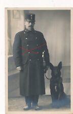 Nr 22821 Porträt Foto PK 1 Republik Polizei Beamter mit schwarzen Schäfer Hund