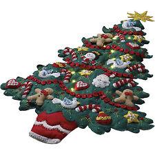Felt Embroidery Kit - Plaid Merry & Bright Christmas Tree Wall Hanging #86738