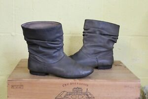 GREY SOFT LEATHER ANKLE SLOUCH BOOTS SIZE 6 / 39 BY CLARKS ACTIVE AIR USED CON