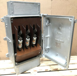 Vintage Cast Iron Bill Royal 200Amp Triple Pole HRC Fuse Switch Isolator