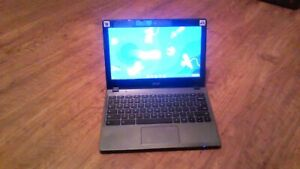 Acer Chromebook C720 Series with Charger