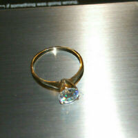 10K Yellow Gold Solitaire Band Ring Cubic Zirconia CZ Gemstone Sparkling Sz 5.75