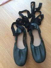 M & S Girls Khaki Leather Jazz Dance Shoes with Lacing Size 3.5 New