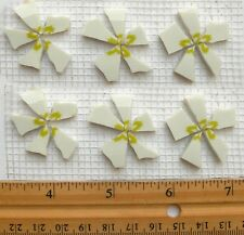 White Flowers With Green Center Mosaic Tile Set - 6 Broken Cut China Plate