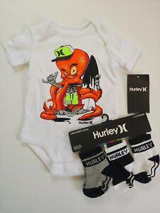 New Hurley Baby Boy Bodysuit T-shirts 3 No Slip Socks Lot 6-9 Months White Black