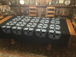 Vintage Quilt Top.......Bear Paw