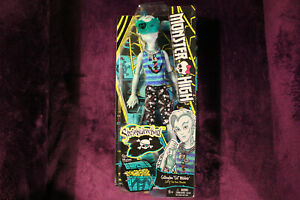 "Monster High Gillington ""Gill"" Webber Shriekwrecked Doll - New In Box!"
