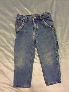 Levi's Boys Jeans size 5 regular, red tag on back pocket Light Blue Wash