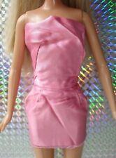 Muñeca Barbie Original Ropa Vintage-Rosa Satinado Vestido Mini Sin Tirantes Con Cremallera