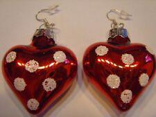 Ohrring kleinem Weihnachtsherz rot Glanz mit weißen Punkten ca 3,5 cm aus Glas