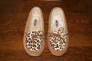 Minnetonka Women's Leopard Cally Moccasins 40161 Cinnamon Size 10 NEW WITH BOX