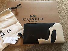 NWT Coach x Disney Mickey According Zip Wallet In Glovetanned Leather F54000 Bag