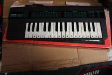YAMAHA PortaSound PSS-130 32 mini keys Keyboard Sampling 80s