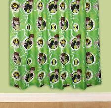 Rideaux et cantonnières vert pour la chambre