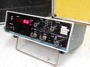 Fluke 1950A, ein klassischer 50 MHz Frequenzzähler mit 2 Meßkanälen