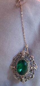 Vintage Brooch - Emerald Coloured Stone