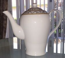 MINT! - ROYAL SCOTLAND 4 CUP COFFEE POT WHITE CHINA WITH PLATINUM & GOLD BAND