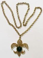 pendentif chaine bijou vintage fleur de lys cabochon verre vert couleur or *4704