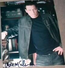 """Holt Mccallany Signed Autograph """"Lights Out"""" Pose Photo"""