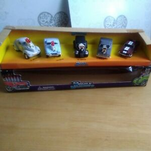 Muscle machines 1:64 5 Car Set Very Rare.