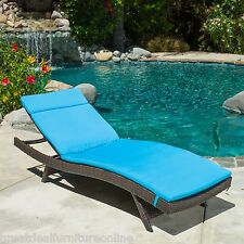Outdoor Patio Furniture All-Weather Wicker Chaise Lounge w/ Blue Cushion