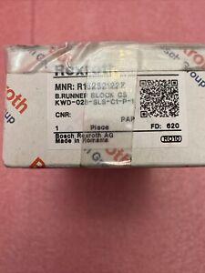 Rexroth B. Runner Block MNR: R16232122Z