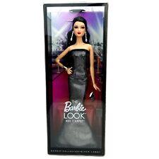 Barbie la mirada alfombra roja el aspecto Gris Negro Vestido De Muñeca Lea esculpir