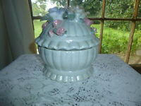 """Ceramic Round White Jewelry/Trinket Box with Molded Ceramic Roses on Top  6 1/2"""""""