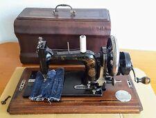 """Alte, antike original """" WERTHEIM- Francfort"""" Tischnähmaschine, mit Handkurbel."""