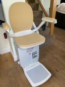 Acorn Curve180 Stairlift. Electric swivel seat/2 x Recharge Points/2 x Remotes