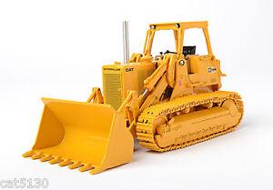 Caterpillar 983B Track Loader - ROPS - 1/48 - CCM - Diecast - Brand New 2014