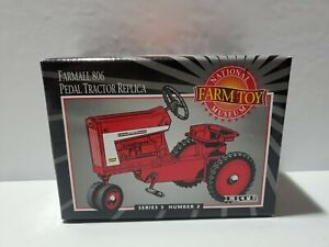 IH Farmall 806 National Farm Toy Museum Pedal Tractor NIB! Replica
