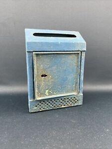 Alter Briefkasten Postkasten Blechkasten Briefschlitz Blech
