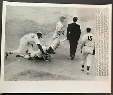 1955 BALTIMORE ORIOLES BASEBALL ACTION WIRE PHOTO v. NEW YORK YANKEES
