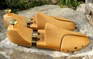 ancienne paire de forme a chaussures en bois taille 42