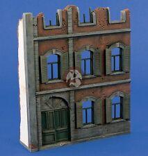 Verlinden 1/35 City House Front Section [Resin + Plaster Diorama Model kit] 1404