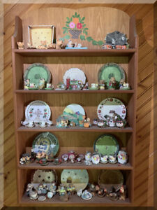 WOOD CURIO CABINET WALL HANGING SHELF MINIATURE DISPLAY 15 TEA SETS PLUS EXTRAS