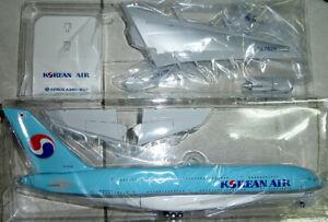 1/200 Korean Air A380-800 New Color